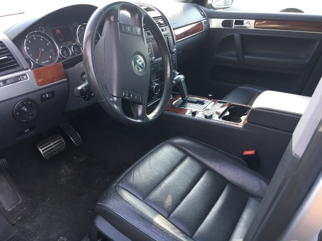 Volkswagen Touareg 2006 price $3,350