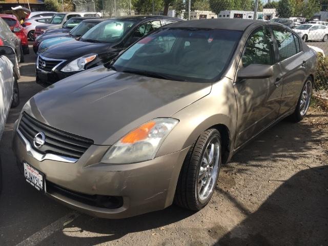 Nissan Altima 2007 price $2,450