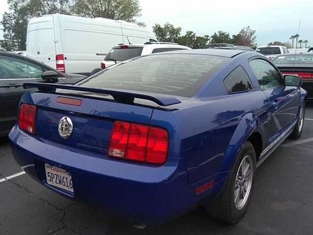 Ford Mustang 2005 price $3,250