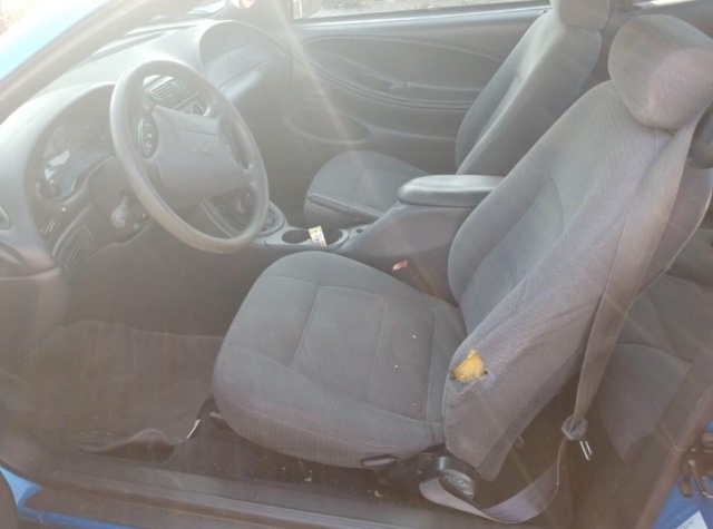 Ford Mustang 2000 price $1,950
