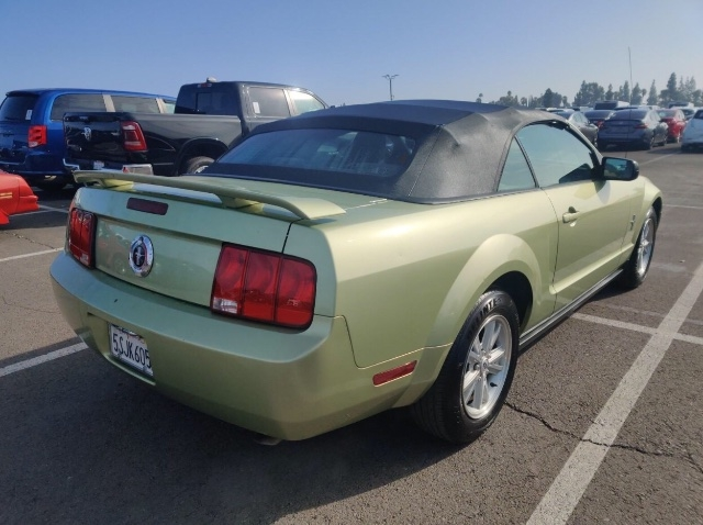 Ford Mustang 2006 price $3,850