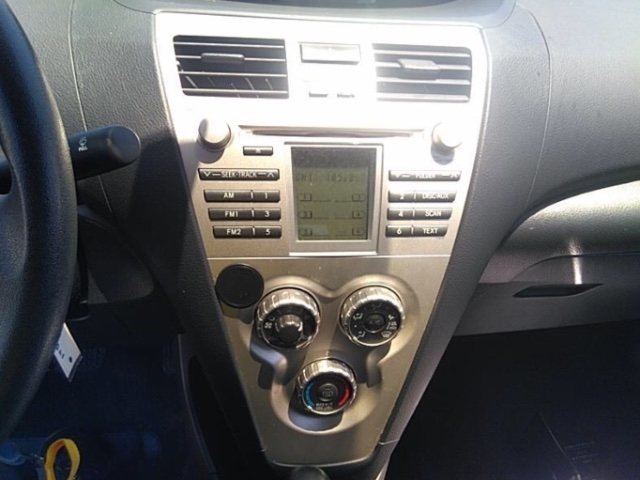 Toyota Yaris 2007 price $3,150
