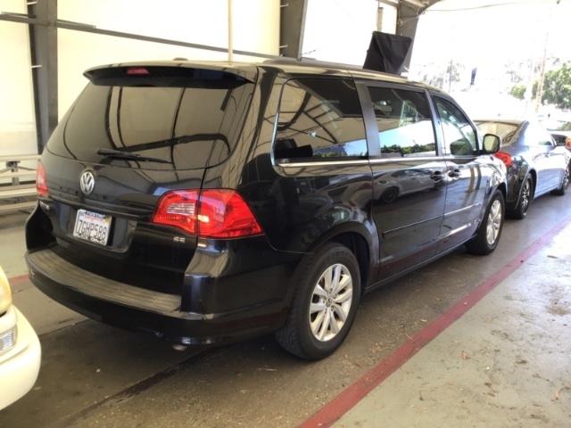 Volkswagen Routan 2013 price $5,950
