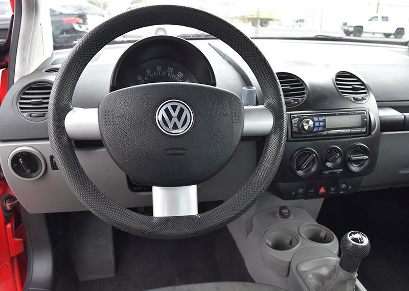 Volkswagen New Beetle 2002 price $2,999