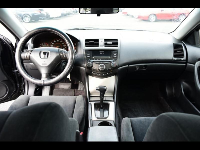 Honda Accord Cpe 2004 price $3,999