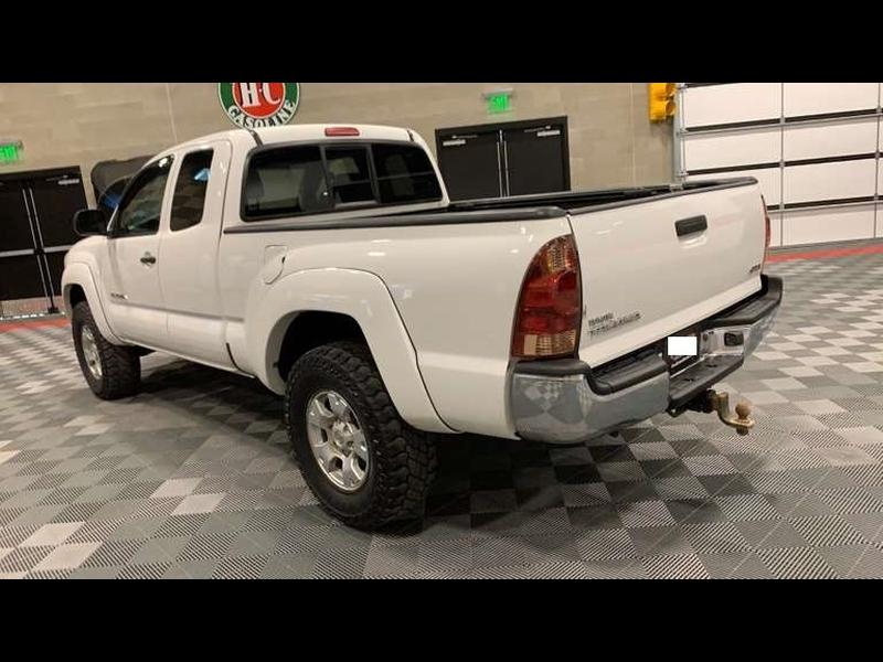 Toyota Tacoma 2007 price $9,999