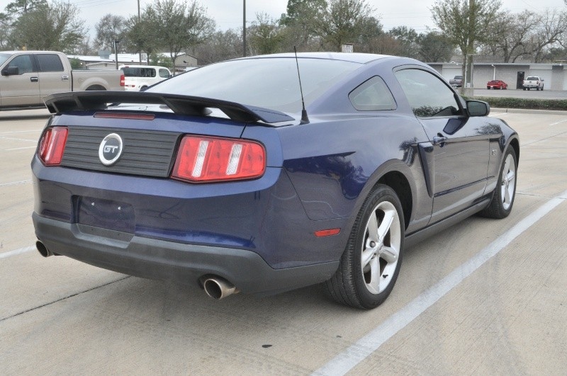 Ford Mustang 2010 price $10,950