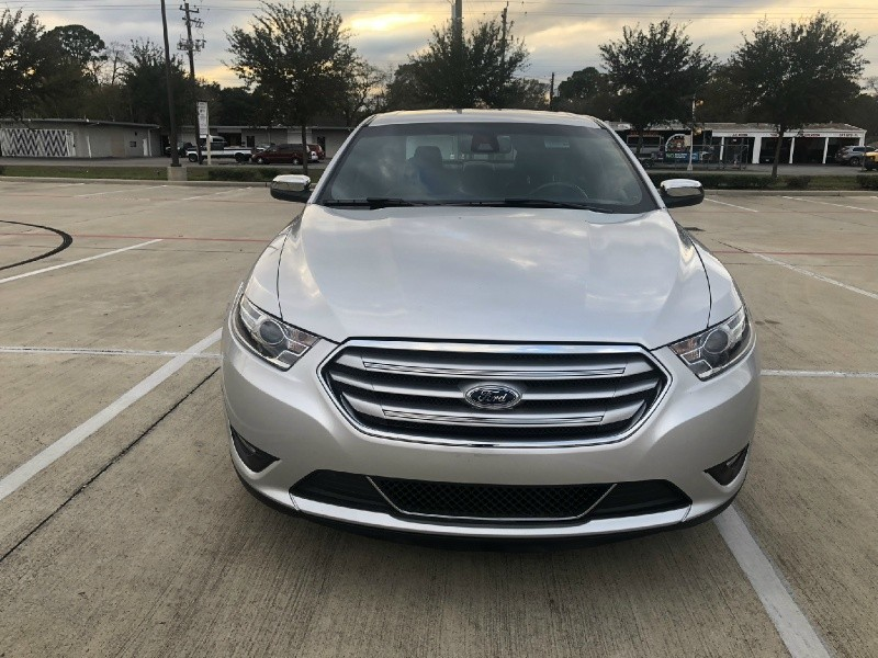 Ford Taurus 2018 price $18,995