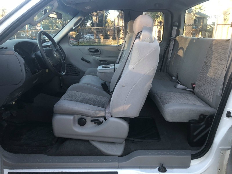 Ford F-150 Heritage 2004 price $3,250