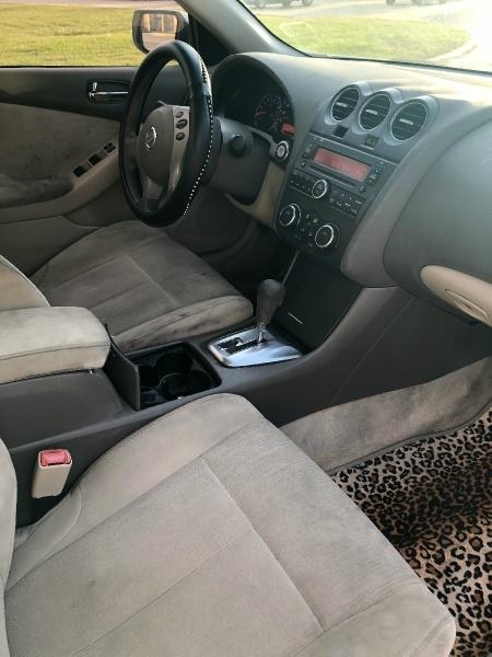 Nissan Altima 2011 price $2,499
