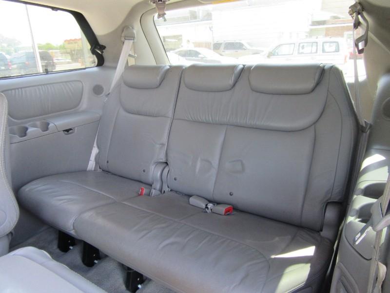 Toyota Sienna 2006 price $1,199 Down