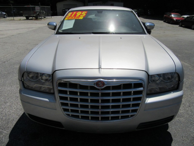 Chrysler 300 2006 price $3,199