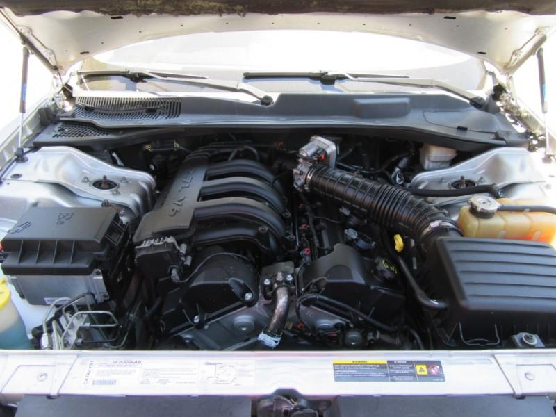 Chrysler 300 2006 price $3,199