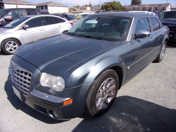 CHRYSLER 300C 2005 price $4,995