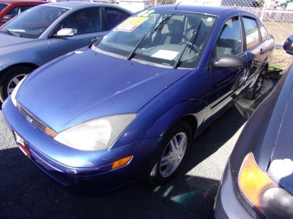 FORD FOCUS 2003 price $1,995