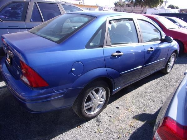 FORD FOCUS 2003 price $1,995