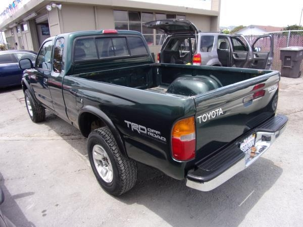 TOYOTA TACOMA 2000 price $7,995
