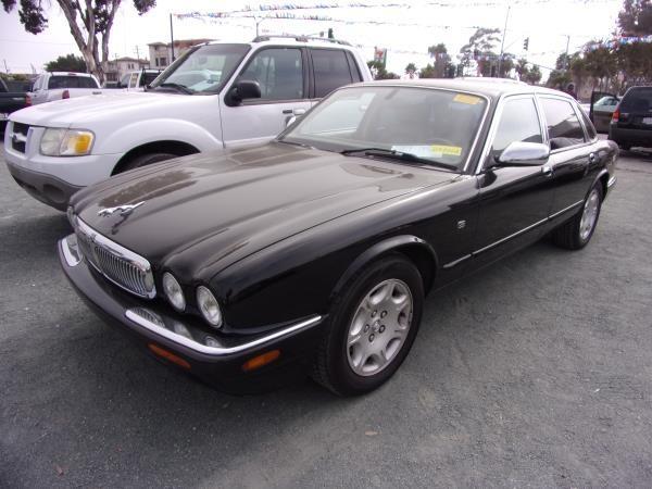 JAGUAR XJ8 2003 price $4,995