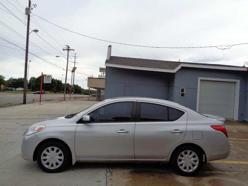 Nissan Versa 2013 price $4,795