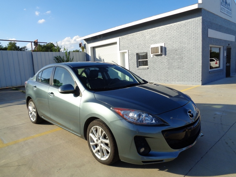 Mazda Mazda3 2012 price $7,695