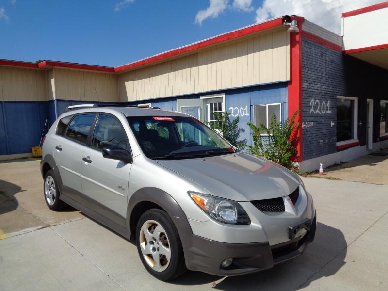 Pontiac Vibe 2004 price $2,700