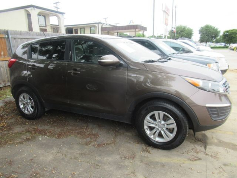Kia Sportage 2011 price Call for Pricing.