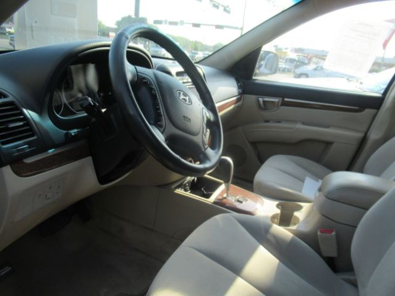 Hyundai Santa Fe 2009 price Call for Pricing.