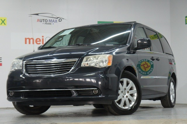 Chrysler Town & Country 2014 price Call for Pricing.