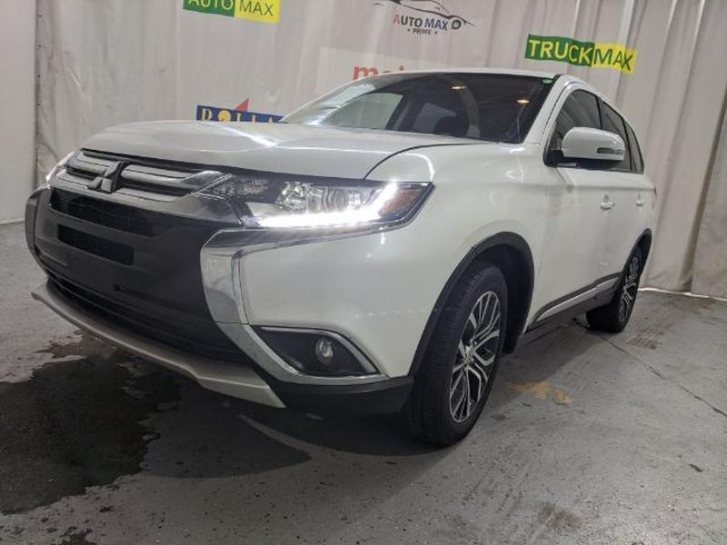 Mitsubishi Outlander 2018 price Call for Pricing.