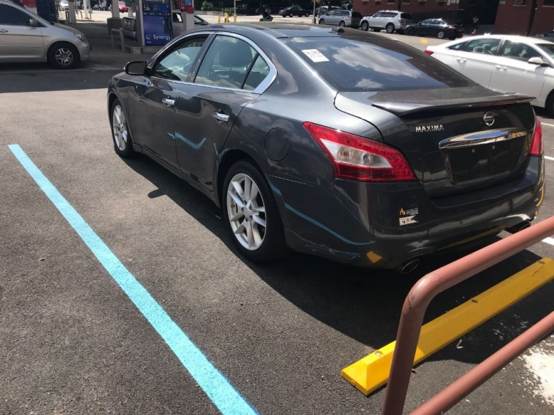 Nissan Maxima 2011 price $7,495