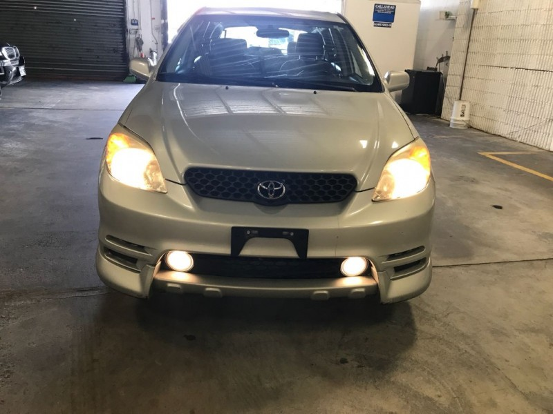 Toyota Matrix 2004 price $987