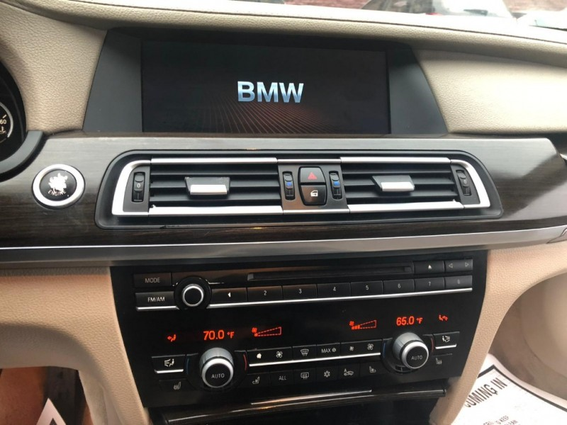 BMW 7-Series 2009 price $4,384