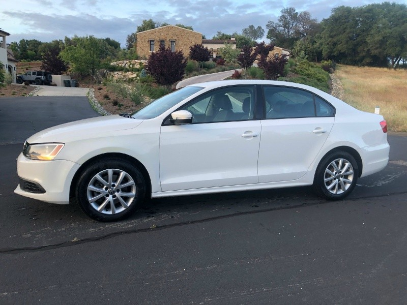 Volkswagen Jetta Sedan 2011 price $6,995