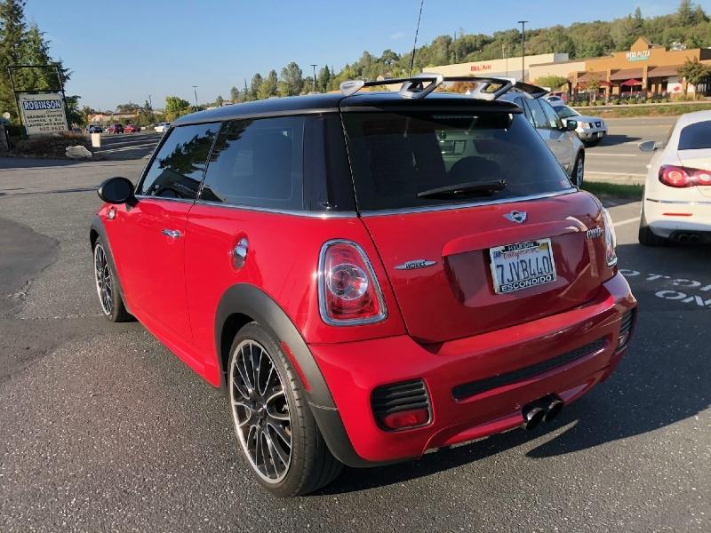 Mini Cooper Hardtop 2012 price $10,495