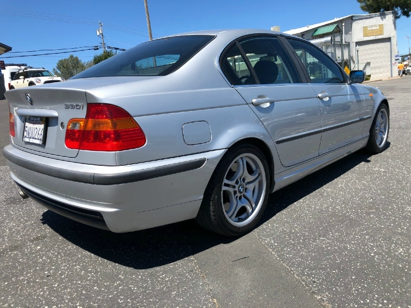 BMW 3-Series 2004 price $4,695