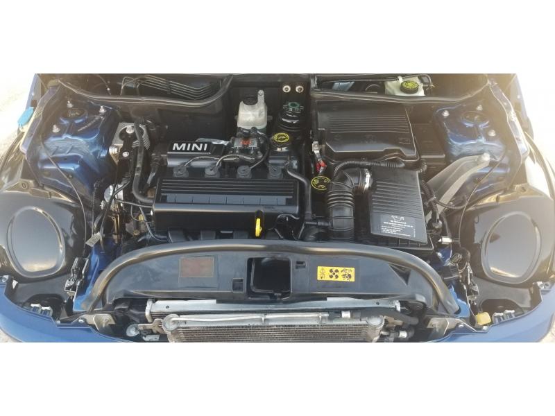 Mini Cooper Hardtop 2004 price $4,999