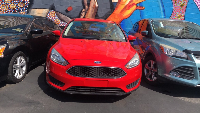Red Ford Focus >> 2015 Ford Focus Se