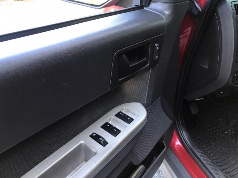 Ford Escape 2009 price $5,800