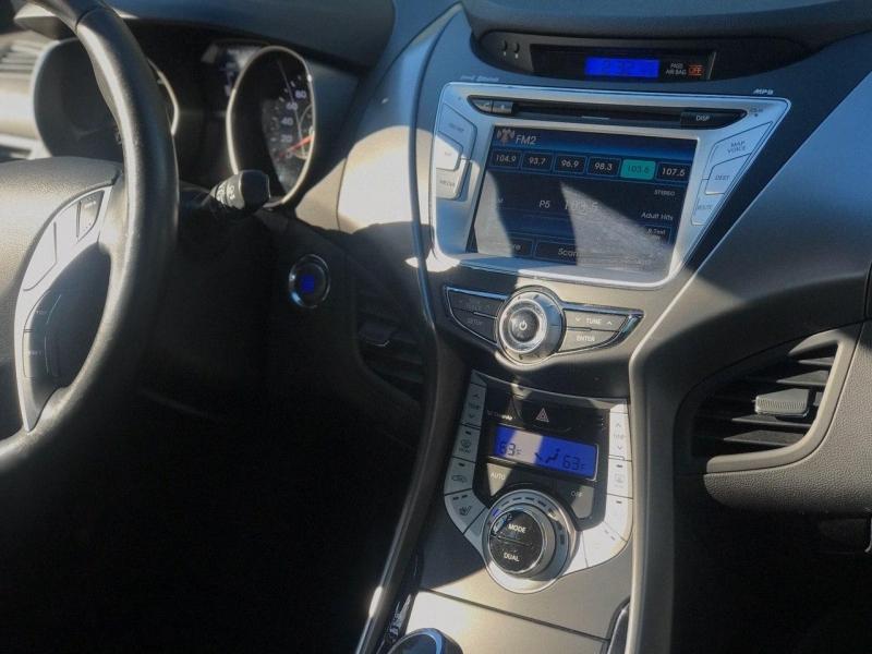 Hyundai Elantra 2011 price $8,800