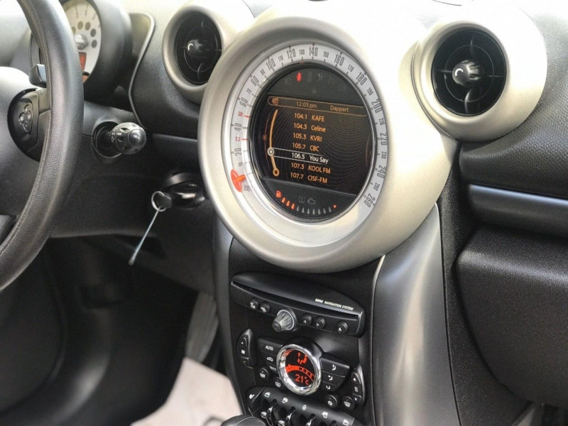 Mini Cooper Countryman 2012 price $8,800