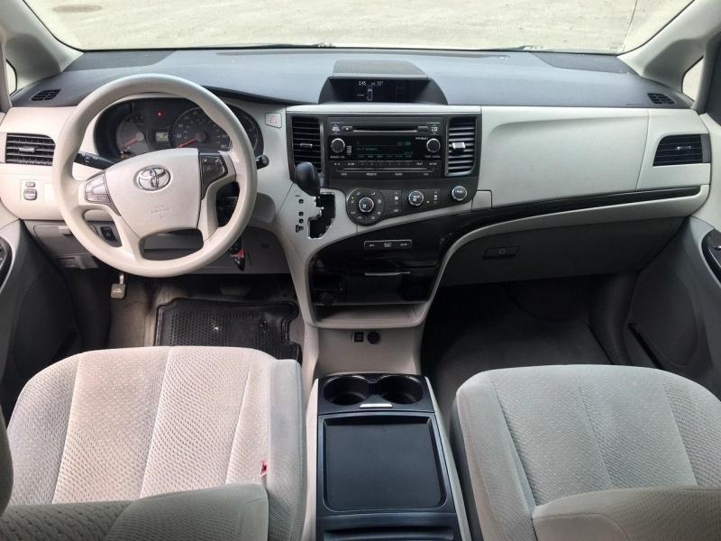 Toyota Sienna 2011 price $11,800