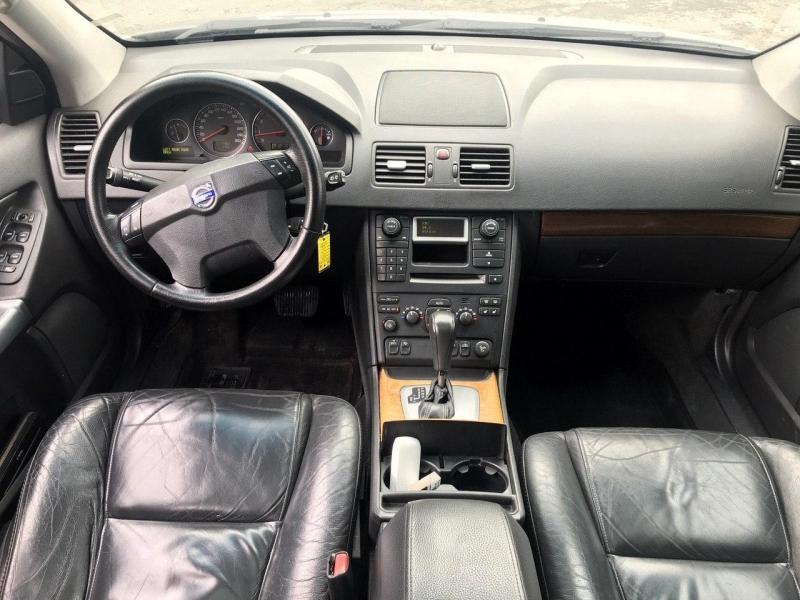 Volvo XC 90 2005 price $3,500