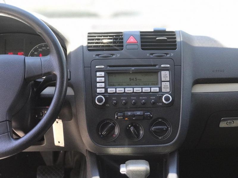 Volkswagen Rabbit 2007 price $3,900