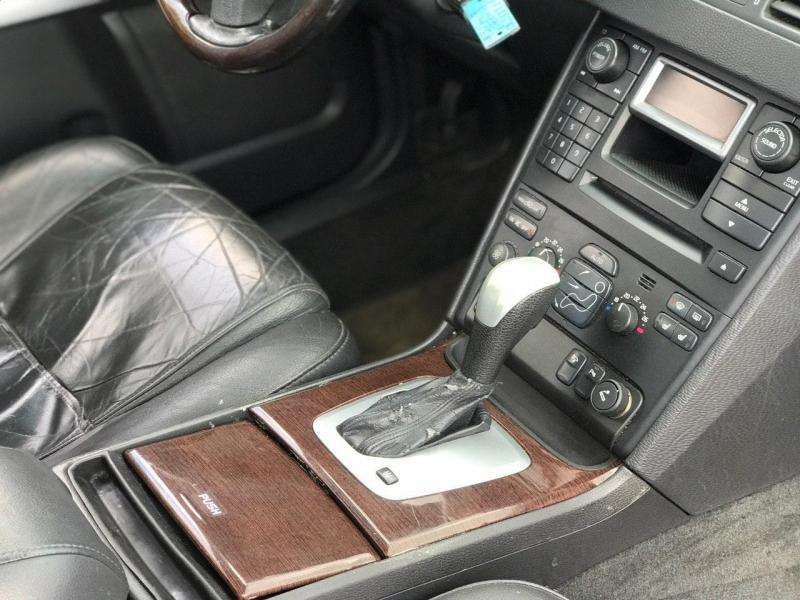 Volvo XC 90 2004 price $4,800