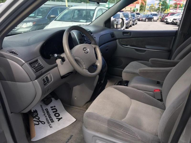 Toyota Sienna 2008 price $7,800