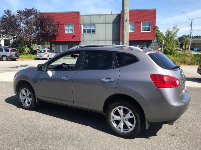 Nissan Rogue 2010 price $8,800