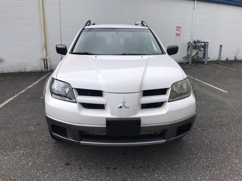 Mitsubishi Outlander 2003 price $3,900
