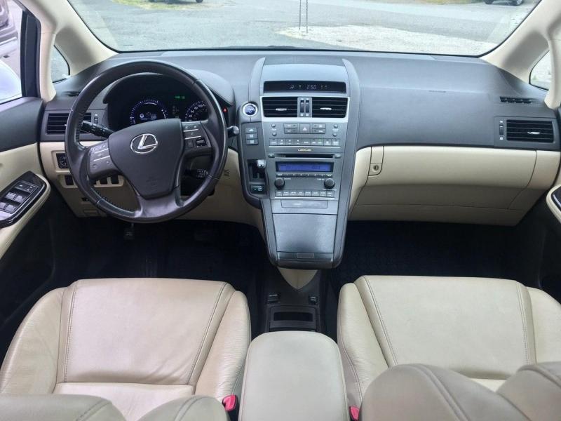 Lexus HS 250h 2010 price $13,800
