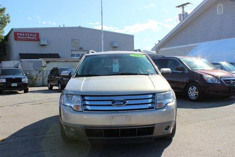 Ford Taurus X 2009 price $3,800