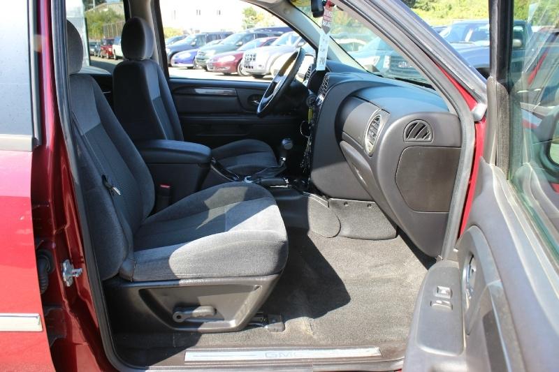 GMC Envoy 2009 price $4,800